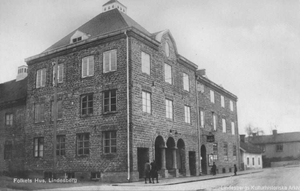 Folkets hus från arkivet